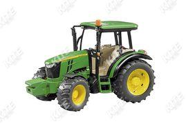 John Deere 5115M traktor-makett