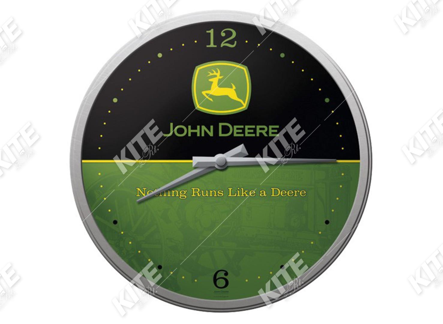 John Deere falióra